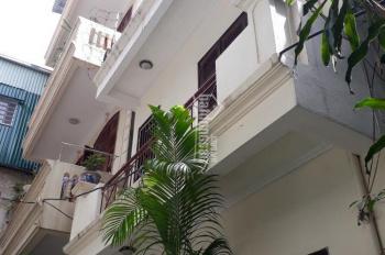 Cho thuê nhà riêng phố Hồng Hà gần BV 108, 60m2 x 3,5T, giá 9tr/th