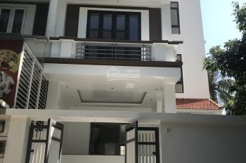 Cho thuê biệt thự nhà vườn tại Hồ Tùng Mậu, 80m2, 3 nổi 1 hầm, sàn gỗ, 38tr/th, LH 0363609064