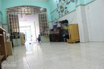 Cho thuê nhà mặt tiền Q. Tân Phú, 560m2, 1 trệt 3 lầu, full nội thất 35tr/tháng (Còn thương lượng)