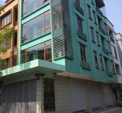 Cho thuê nhà Hồ Tùng Mâụ, Mai Dịch, Cầu Giấy. DT 110m2, 4 tầng, ĐH, thang máy, thông sàn, 60tr/th