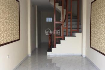 Cần bán nhà ngõ phố Trần Khát Chân, Lò Đúc, DT 35m2, 5 tầng, giá 2.75 tỷ, 0913571773