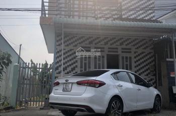 Bán nhà 1trệt 1lầu, MT đường nhựa khu Việt Kiều Củ Chi, giá 2.1 tỷ, LH 0898425168