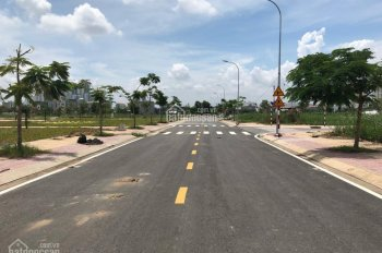 Bán gấp lô đất thổ cư 5x20m đường Nguyễn Cơ Thạch, kế bên KĐT Sa La, giá 2,2 tỷ. LH 0904.323.476