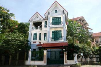 Cho thuê căn biệt thự hồ Văn Quán, Hà Đông KD làm nhà hàng quán cafe DT 200m2 x 3 tầng