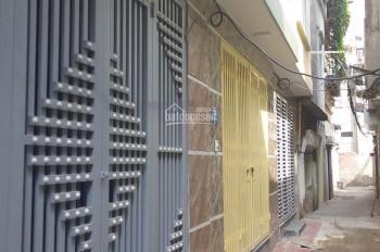 Chính chủ nhà cần bán DT: 30m2 x 5 tầng Lĩnh Nam- Hoàng Mai, Hà Nội, giá: 2,15 tỷ, LH: 0967819777