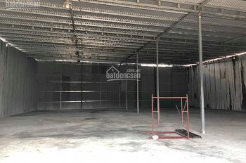 Cho thuê kho xưởng Trường Chinh, 700m2 nền bê tông kiên cố, mặt tiền 20m làm kho, gara ô tô