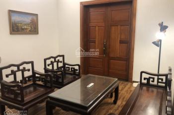 Cho thuê nhà phố Võng Thị, Tây Hồ, DT 140m2. Giá 34tr/th