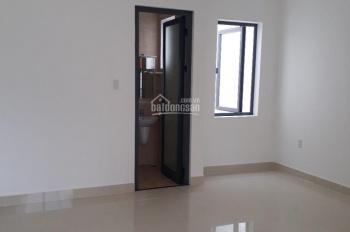 Cho thuê nhà rất mới Tân Sơn Nhì 4x15m, 2 lầu có sân thượng, giá 13.5 triệu: 0985425654