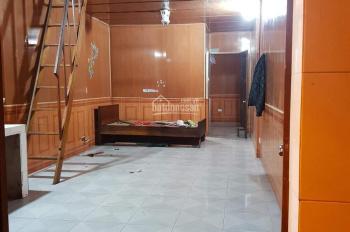 Cho thuê nhà 35m2 nguyên căn, khép kín, riêng biệt, sau trường Kinh - Công. LH 0973626418