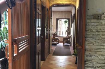 Hot! CC cần bán gấp căn hộ chung cư 100m2, giá 57 tr/m2 phố Nguyễn Bỉnh Khiêm