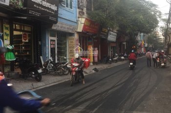 Chính chủ bán nhà mặt phố Mai Dịch, vị trí đầu phố sầm uất nhất. Đang cho thuê giá cao