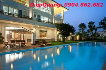 Bán gấp villa mặt tiền đường Trần Quốc Toản, P7, Quận 3. DT: 12x18m