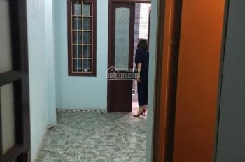 Cho thuê nhà riêng 35m2 * 4T Trần Duy Hưng, ngõ rộng ô tô 7 chỗ đỗ trong nhà, 15tr/th, 0963519901