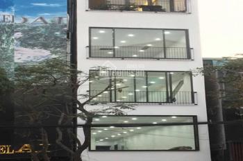 Cho thuê mặt phố Hàn Thuyên - Hàng Chuối, DT tầng 1: 100m2, tầng 2: 200m2, 5 tầng - 70 tr/th