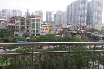 Chính chủ bán chung cư 98m2, 3 phòng ngủ, 2 tỷ 300tr bao phí, tòa nhà 310 Minh Khai