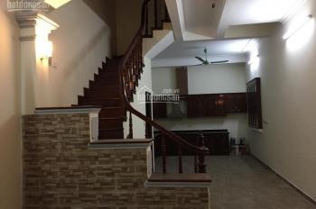Cho thuê nhà phân lô mặt ngõ phố Ngụy Như Kon Tum, 55m2 x 4 tầng, giá 20 tr/tháng