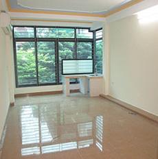 Cho thuê nhà 4 tầng Trần Đại Nghĩa, cạnh Kinh tế Quốc dân giá 16.5tr/ tháng. LH 0984250719