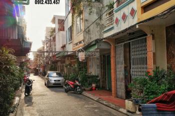 Bán nhà 2T đường Tôn Đức Thắng bên này cầu, 33m2 Tây Bắc ô tô quay đầu chỉ 950tr, TL