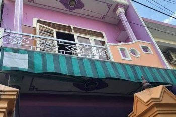 Bán nhà 2 tầng kiệt Lê Độ, diện tích 43m2, xây kiên cố, đẹp, giá 1.75 tỷ. Liên hệ: 0947181079