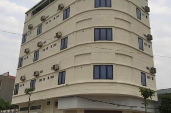 Cho thuê nhà gần Big C Vĩnh Yên. Nhà mới, đầy đủ nội thất, 12 phòng khép kín có thang máy, gara