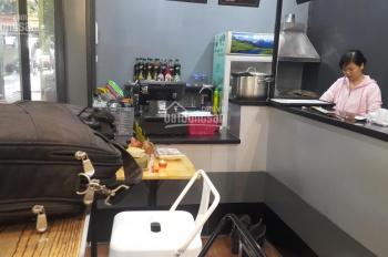 Chuyển nhượng cửa hàng trà sữa ngay cổng ĐH Sư Phạm: 0902131683, 20m2, giá 20 tr/tháng