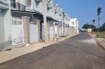 Cần bán nhà phố Khu dân cư Tân Phú Trung 890tr/ 80m2, 1 trệt, 1 lầu. LH 0902493040