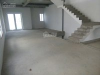 Cần tiền gấp nhà phố Rosita Khang Điền Khang Điền, DT: 5x19m, giá 4,85 tỷ. LH: 0919 060 064