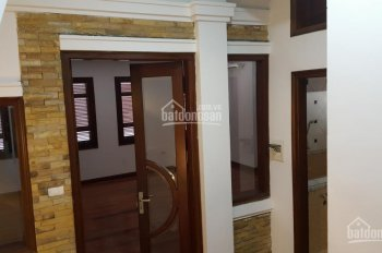 Cho thuê nhà ngõ 61 Trần Duy Hưng - DT 52m2 x 5T lô góc phù hợp ở và làm VP rất đẹp. LH 0904683654