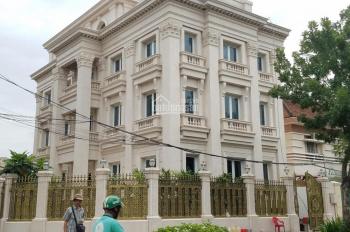 Xuất cảnh bán gấp biệt thự đường Hoa, P2, Phú Nhuận, 8x18m, 1 trệt, 2 lầu, kiểu âu 40 tỷ