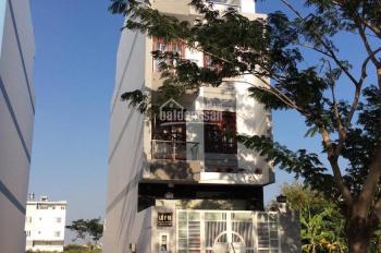 Cần bán gấp lô đất mặt tiền đường Số 5, rộng 20m KDC 13E Intresco Làng Việt Kiều giá 40tr/m2