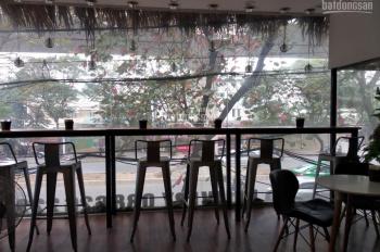 Cần sang nhượng cửa hàng trà sữa tại mặt phố Xuân Thủy gần ngay ĐHQG Hà Nội. Vị trí mặt tiền