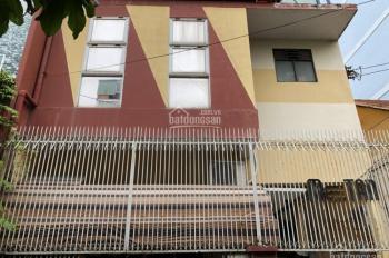 Cho thuê nhà mặt tiền đường Trương Quyền, Quận 3
