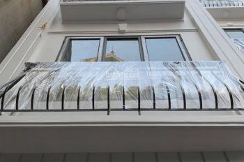 Bán nhà Tựu Liệt (Bằng B), Hoàng Liệt, ngay mặt phố 5m, 40m2, xây 4 tầng, giá 2,25 tỷ