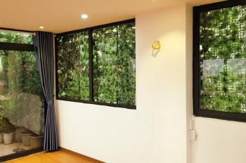 Chính chủ cần bán căn hộ view đẹp, giá cực hấp dẫn phố Hào Nam trung tâm Quận Đống Đa