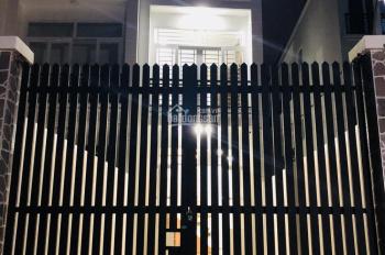 Cần bán nhà gấp Quận 12, 1 trệt 2 lầu (3 tấm đúc), đường Tô Ngọc Vân