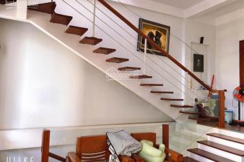Bán nhà 3 tầng mới xây đẹp, giá rẻ tại TP Vinh