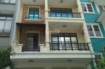 Chính chủ bán gấp nhà HXH đường Trần Hưng Đạo quận 5, 6x10m, giá chỉ 11 tỷ