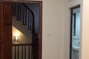 Chính chủ bán nhà đẹp như khách sạn tại ngõ 12 phố Đào Tấn, quận Ba Đình. Lh: 0983158828