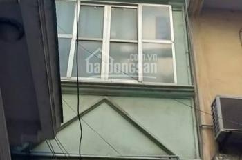 Cho thuê nhà riêng phố Quang Trung. DT 40m2 x 5tầng, nhà cách đường 10m, giá 15tr