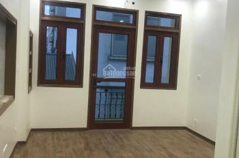Nhà riêng phố Giang Văn Minh 100m2 x 4 tầng, MT 10m, giá 25 triệu/th ô tô đỗ cửa. LH: 0903215466