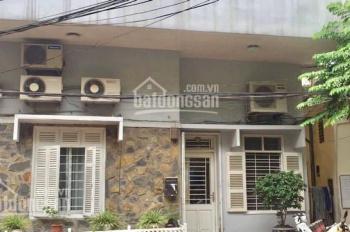 Bán căn nhà nhỏ xinh tại trung tâm Quận Hoàn Kiếm. Hương: 0914958040