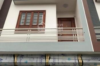 Bán nhà trong ngõ đường Ngô Gia Tự, nội thất gỗ cao cấp, giá cả hợp lý. Liên hệ 0934.935.888