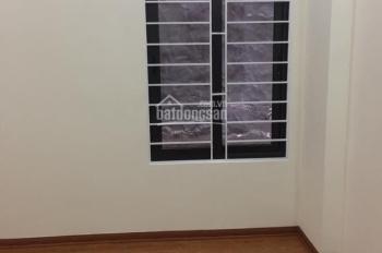 Cho thuê lâu dài nhà riêng 5T đẹp, phố Thụy Khuê, giá rẻ 7tr, 094 1331 182