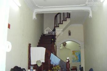 Cho thuê nhà riêng phố Tạ Quang Bửu, Trần Đại Nghĩa, DT 40m2, 4 tầng, 10 triệu/th