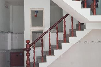 Chính chủ bán gấp 2 căn nhà đẹp đường 176, Phước Long A, hướng Đông Nam mát mẻ, hẻm thông an ninh