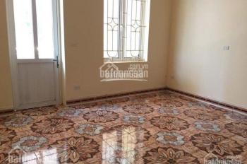 Cho thuê nhà riêng phố Phạm Ngũ Lão, Quận Hoàn Kiếm, DT 50m2, 4 tầng, ô tô đi vào được