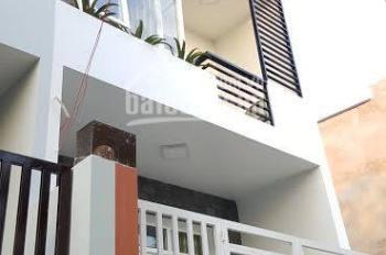 Bán gấp nhà 2 tầng, rất đẹp KK99, hẻm xe hơi sát mặt tiền chợ, giá chỉ 950tr, 0902331665 Trung
