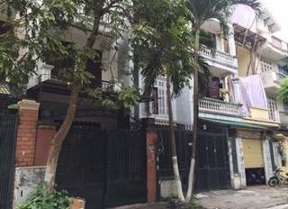 Chính chủ thuê nhà khu ĐTM Định Công 70m2, 4 tầng, có sân trước sau