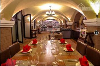 Cho thuê nhà mặt phố Phan Bội Châu mặt tiền 18m, 450m2x2 tầng, giá thuê 320tr/th