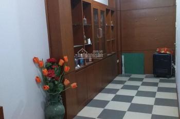 Chính chủ thuê phòng trọ 18m2 ở ngõ 381 Nguyễn Khang - giá chỉ 2.7tr/th
